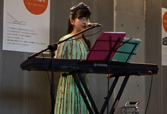 北村瞳 富山駅路上ライブ