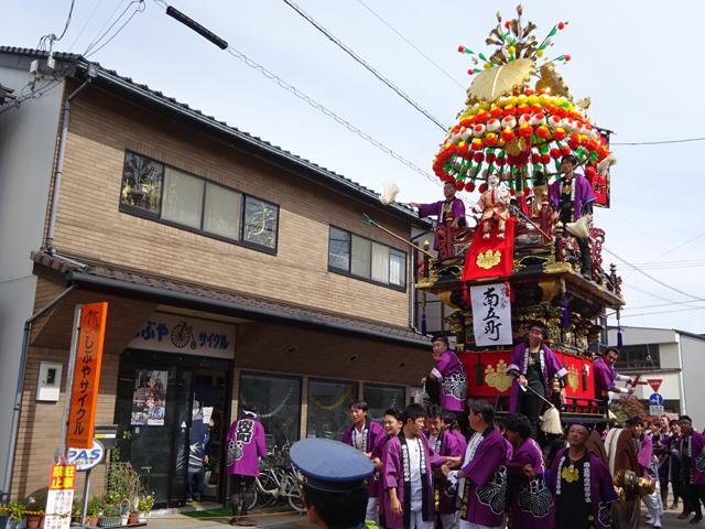 新湊曳山祭