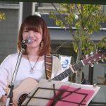 金曜日の音楽人 富山駅前ライブ!美咲 紗耶の歌声が秋空に響いたぞ!