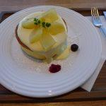 氷見 道の駅雨晴  国吉りんごの厚焼きパンケーキ食べてきた!店員さんも店内も居心地良いぞ!