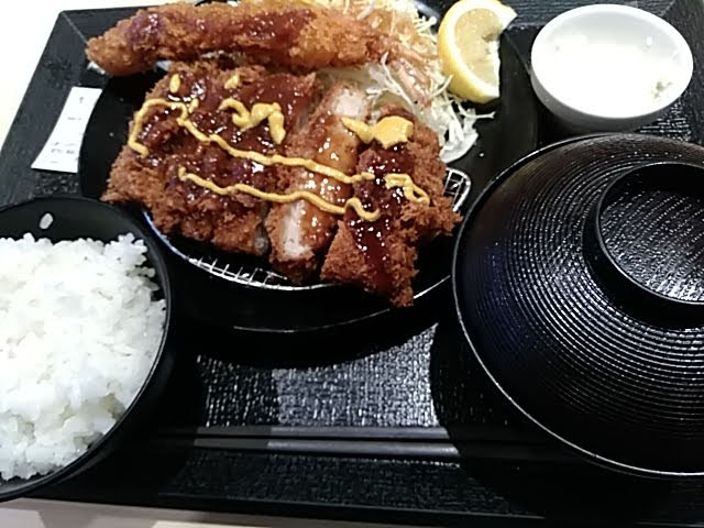 松のや 大判ヒレ&海老1尾定食